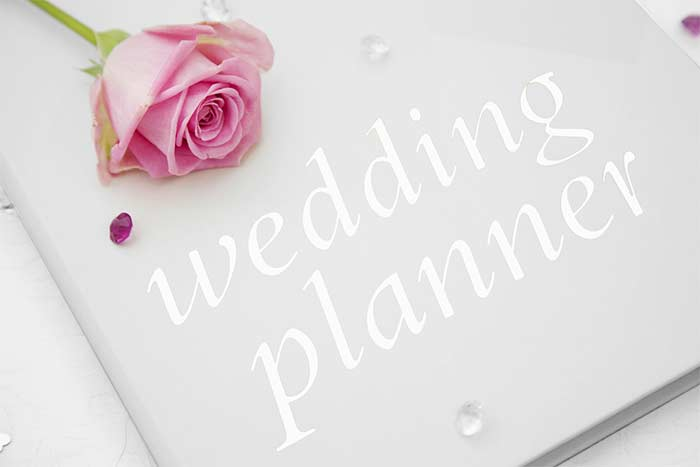 6 Reasons You Should Hire a Wedding Planner